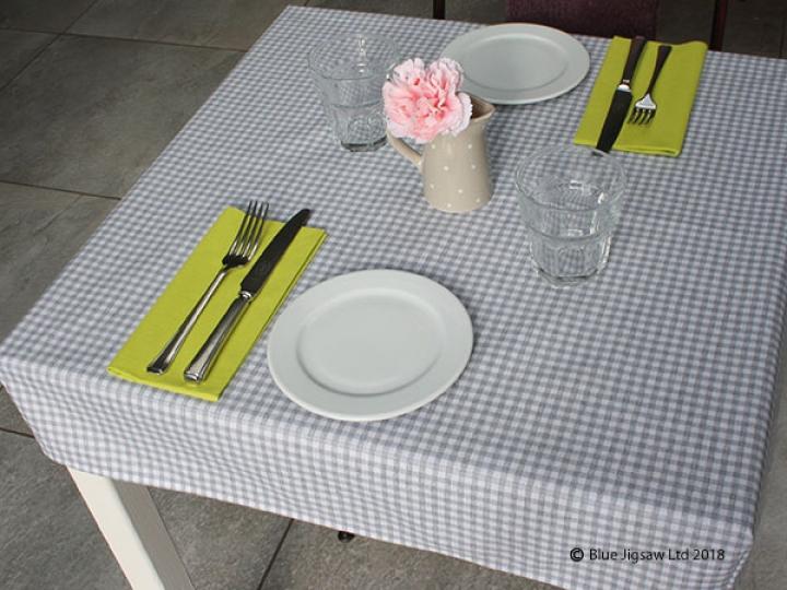 Table Linen Solution For Restaurant Tables